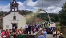 Farm machine throws corn instead of rice at wedding