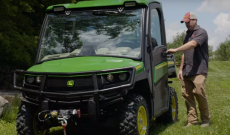 Top 5 features of the John Deere Gator XUV835
