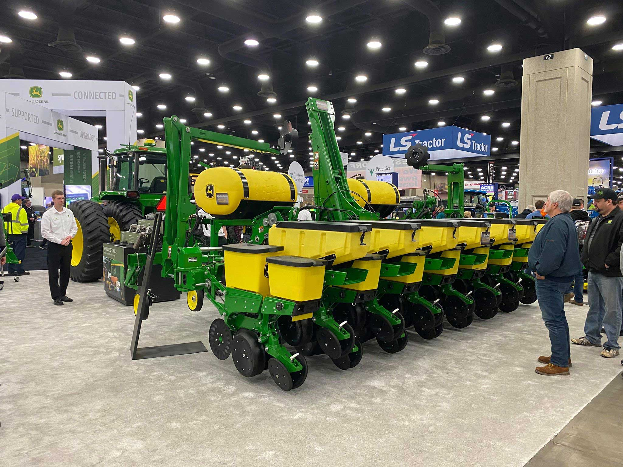 Image Gallery: Sizing up the 2015 Lineup of New John Deere